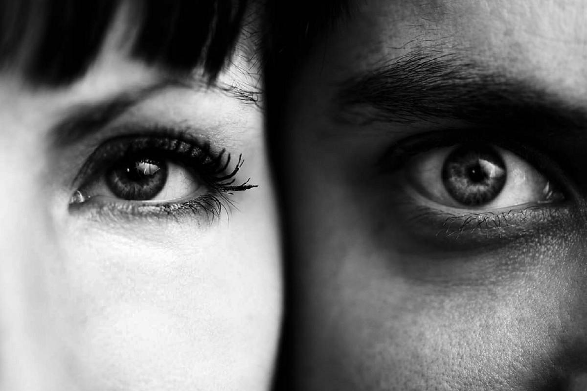 Как поддерживать контакт глаз?