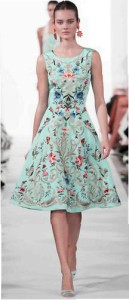 платье в стиле пятидесятых с вышивкой