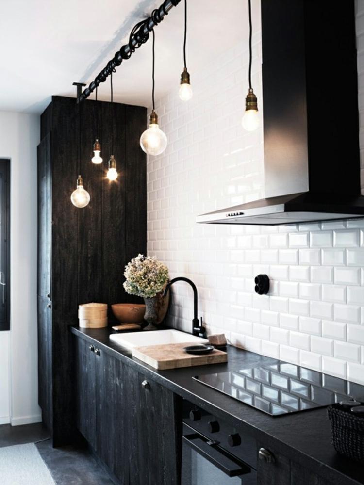 Черная кухня в промышленном стиле
