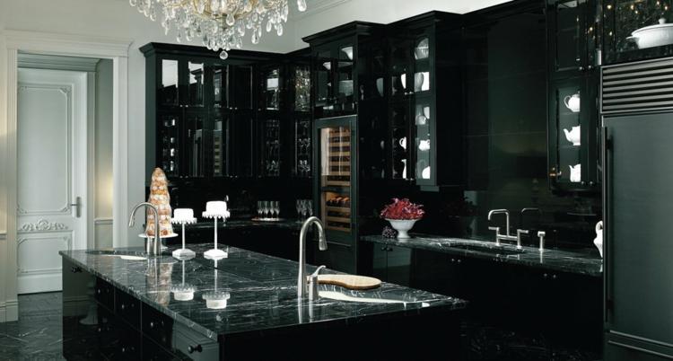 Романтическая черная кухня