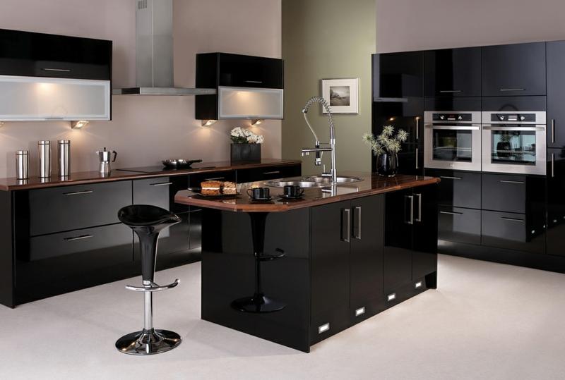 черно белая маленькая кухня