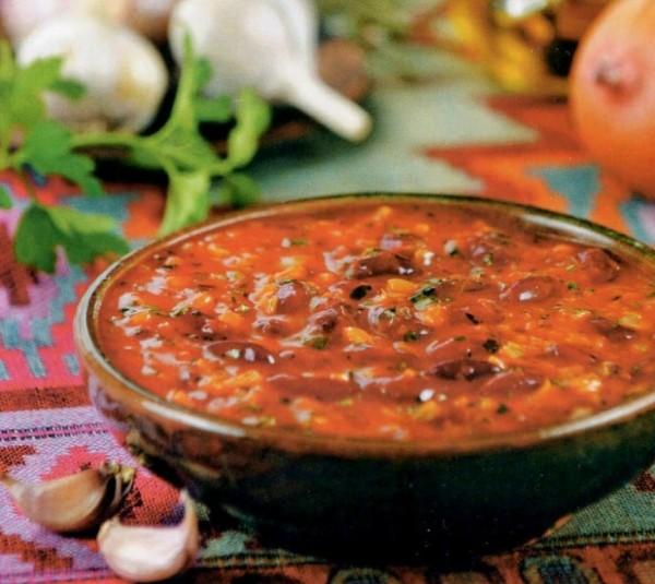 Мясной соус с помидорами и спаржевой фасолью — вкусный рецепт