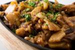 Картофель тушеный со свежими грибами - вкусный рецепт